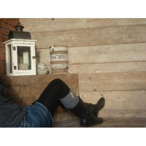 Beenwarmer met 3 houten knoopjes