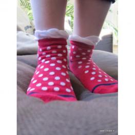 Meisjes sokje kort rood met witte stippen