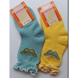 Meisjes sokken zonder voelbare teennaad met een vlindermotiefje.